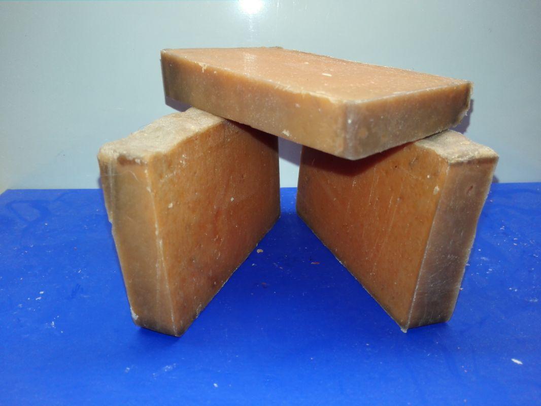 Přírodní mýdlo se zlatým pudrem
