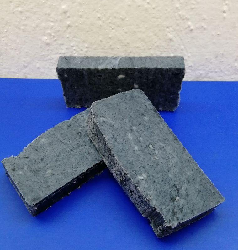 Přírodní mýdlo s aktivním uhlím a kys. Salicylovou 70- 90 g